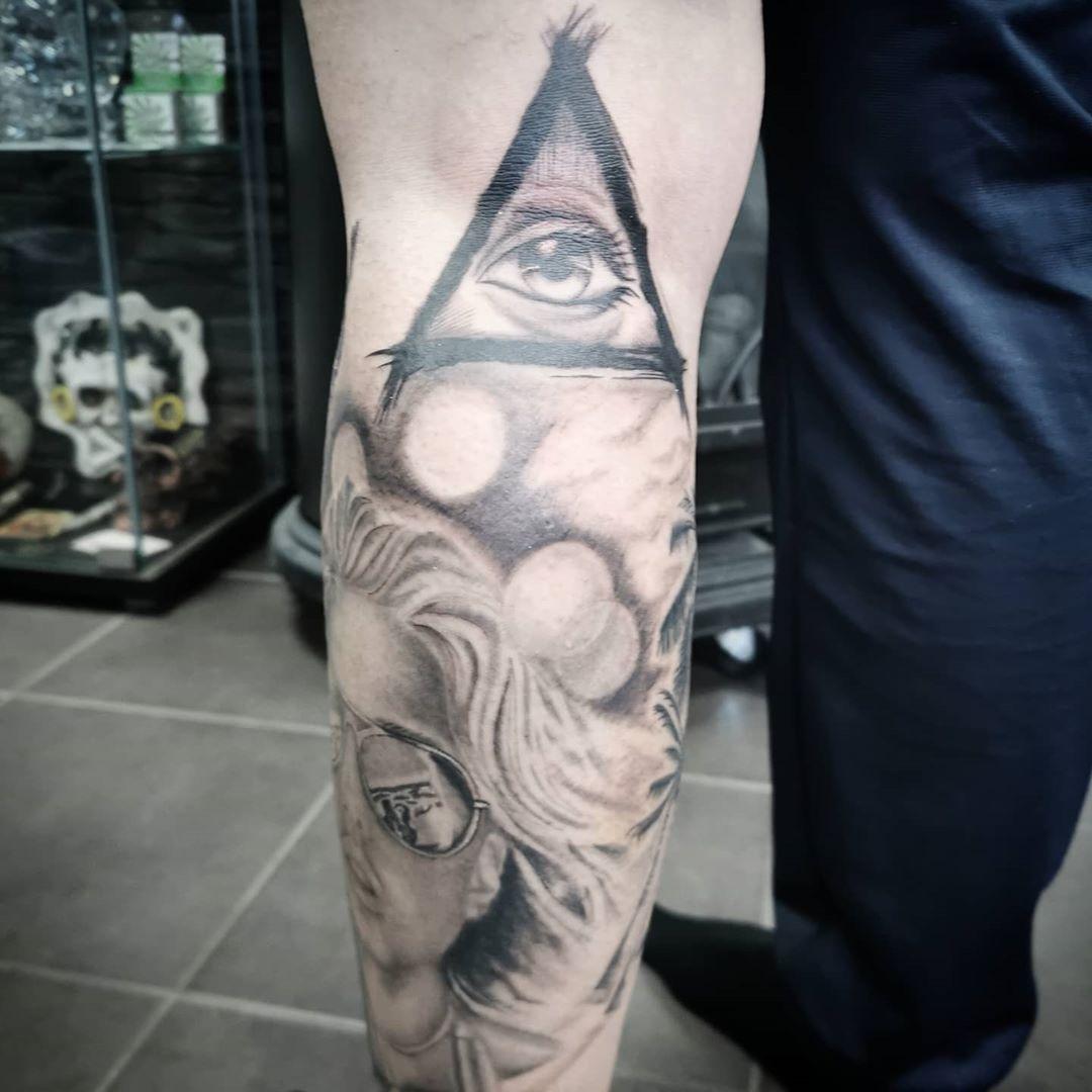 Pin By Grant Van Niekerk On Leg Tattoos In 2021 Tattoos Leg Tattoos Arm Band Tattoo