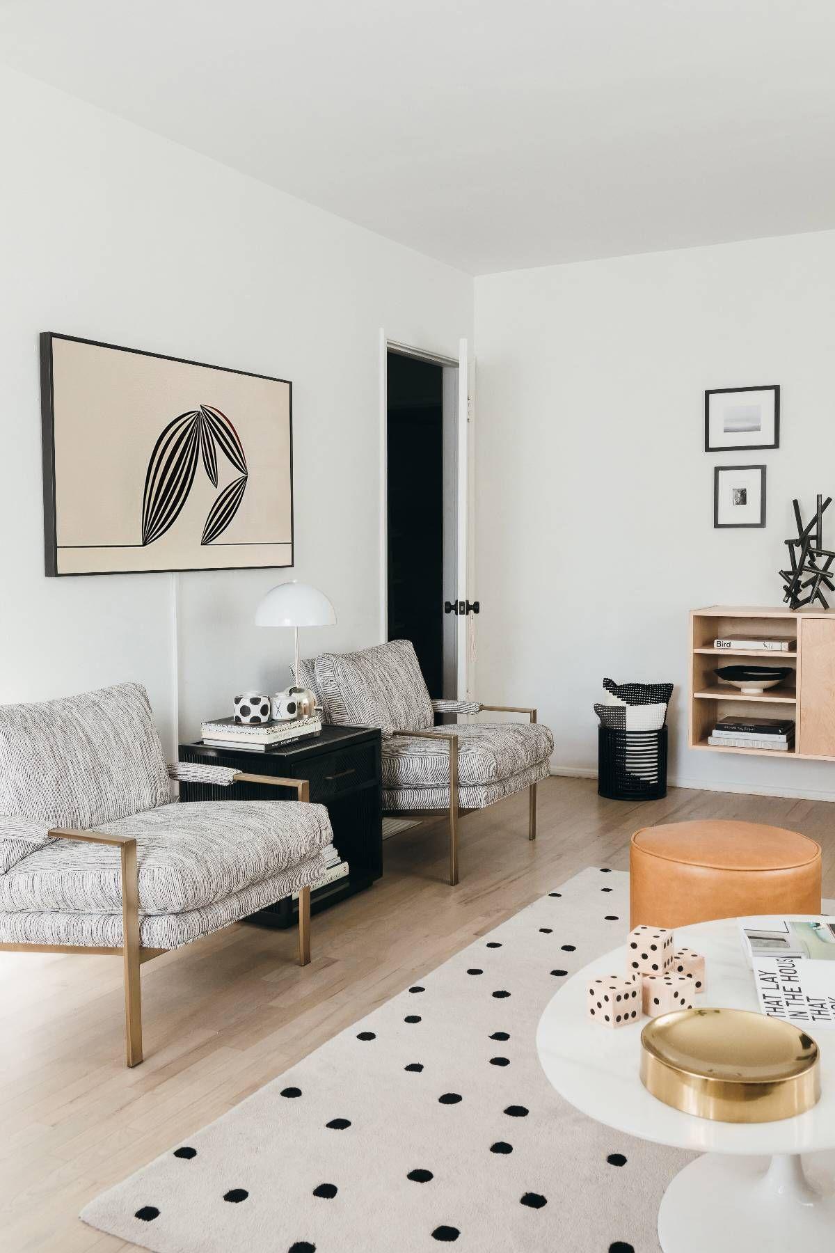 A Designer's Secret to Creating a Modern Yet Inviting Living Room #livingroom