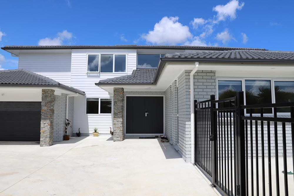 Are You Looking For House Painters In West Auckland It S Still Summer And You Still Have Time Make Sure To Ge In 2020 Looking For Houses House Painting House Painter