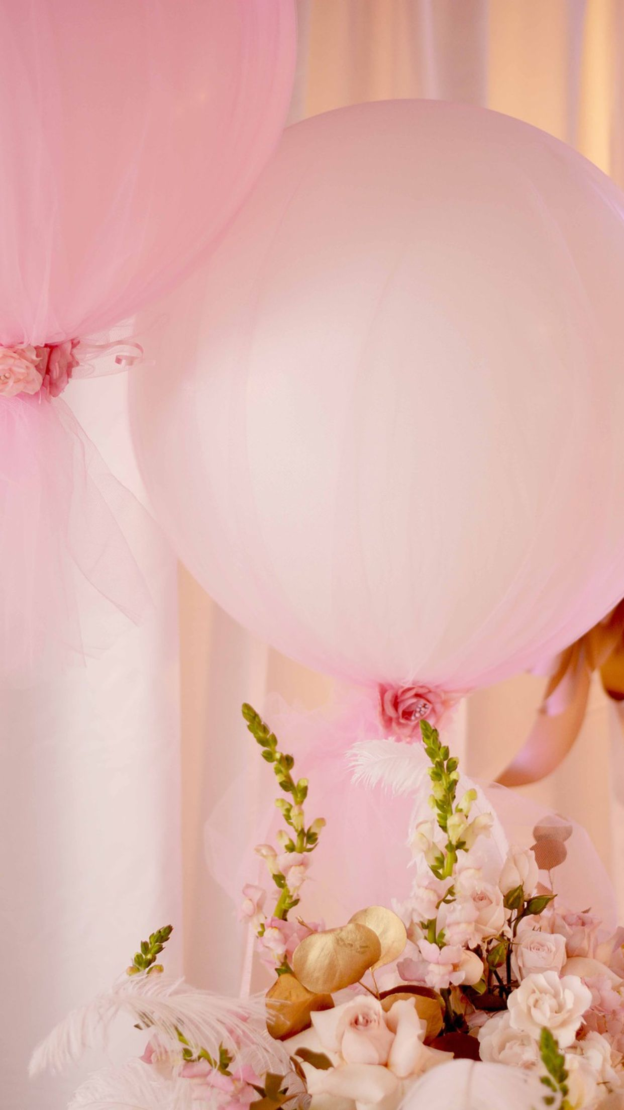 Chic balloon birthday/ wedding decoration ideas | Victoria\'s first ...