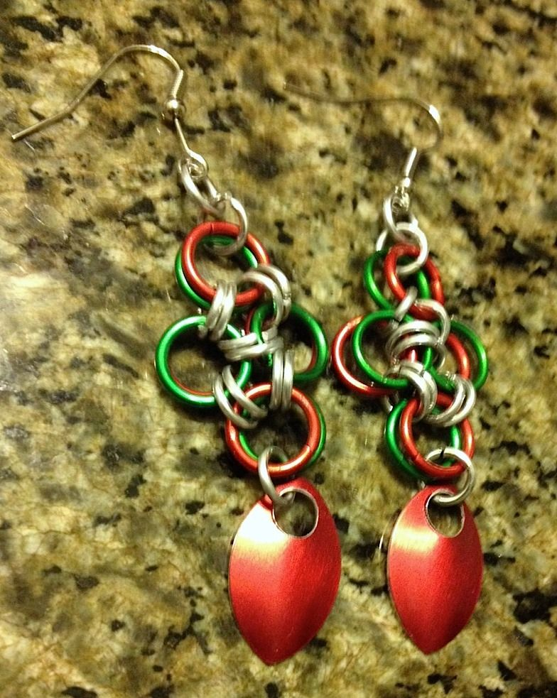 Chainmaille earings w/ scales. Made them for Christmas. :)