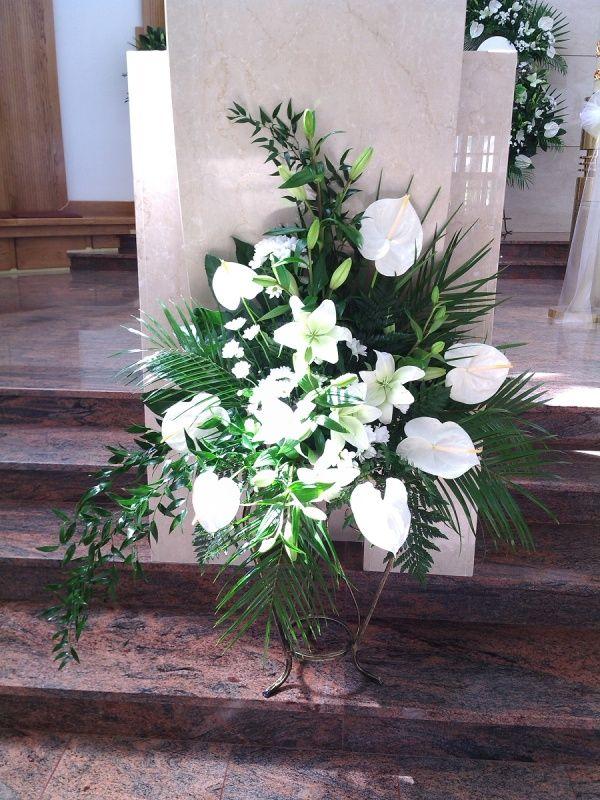 Wystroj Kosciolow Church Flower Arrangements Church Flowers Flower Arrangements