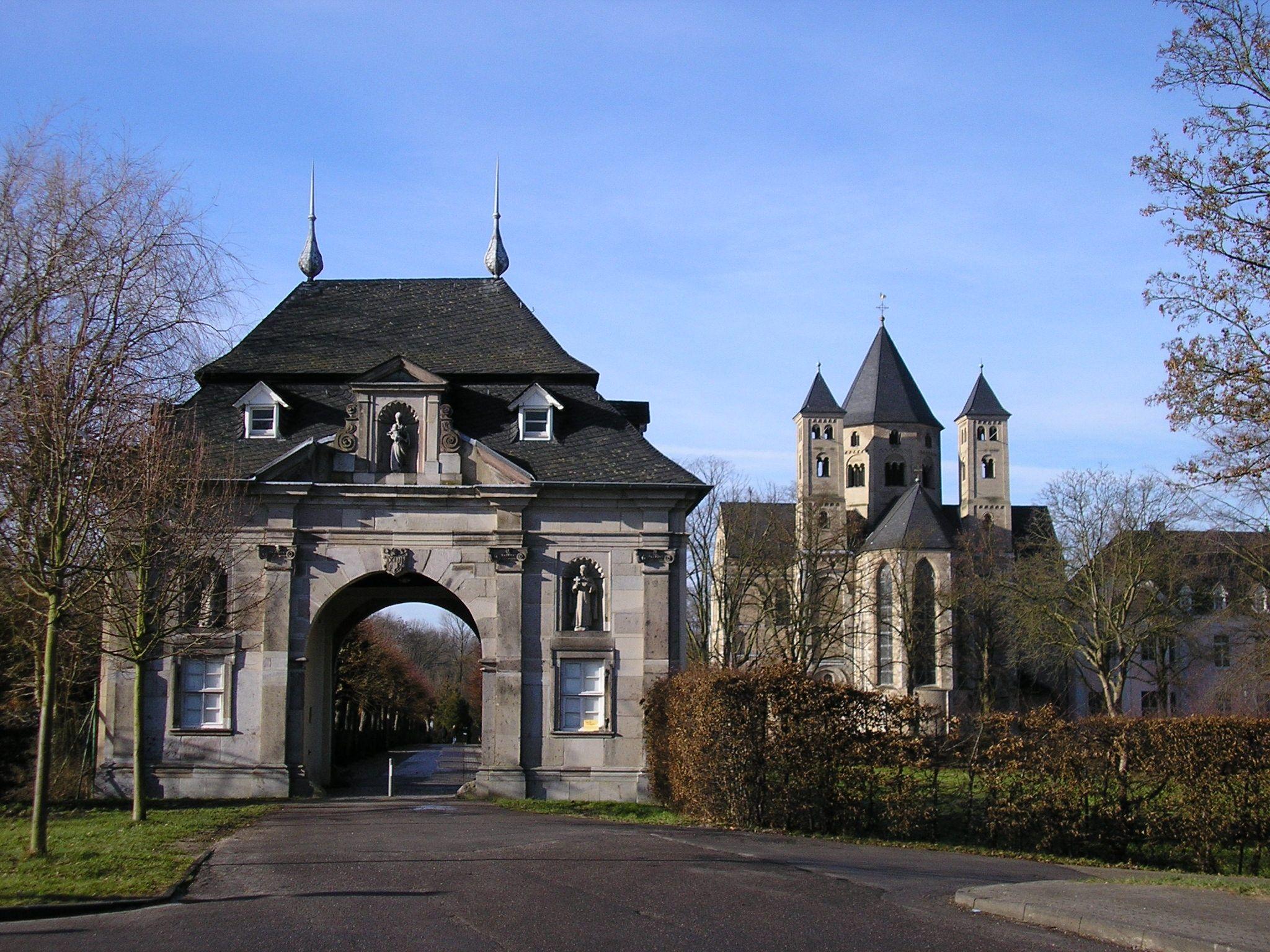 Kloster Knechtsteden1 Jpg 2 048 1 536 Pixel Mit Bildern Kloster