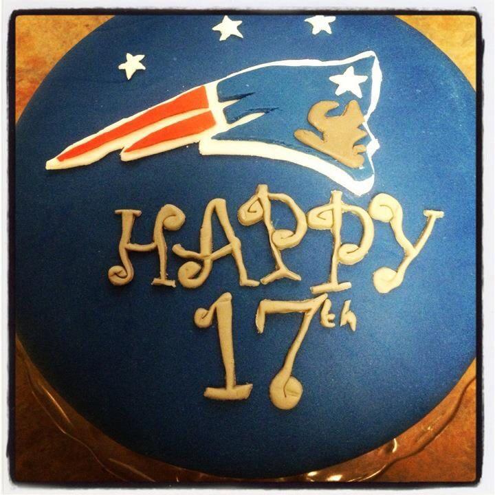 New England Patriots Cake #football #cake #patriots