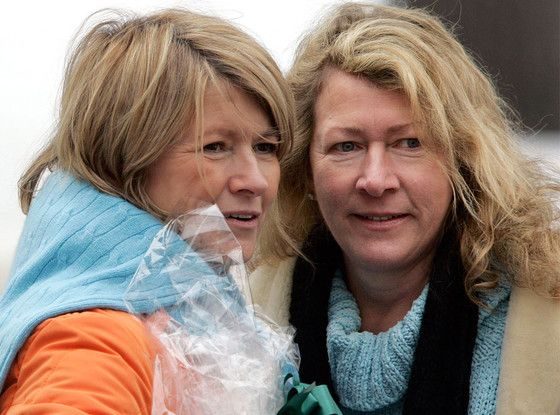 Martha Stewart's Sister, Laura Plimpton, Dies After Unexpected Brain Aneurysm
