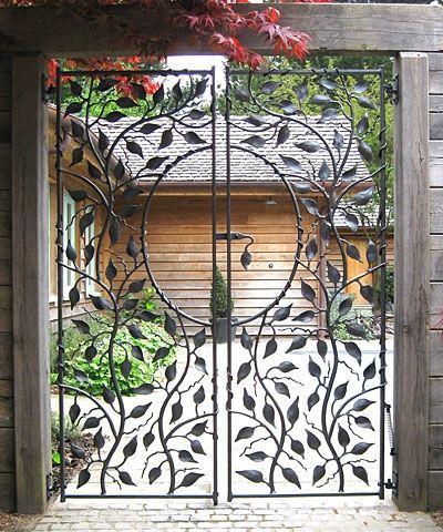 Épinglé par Nazareth Dervishian sur Fer Forge Doors ...