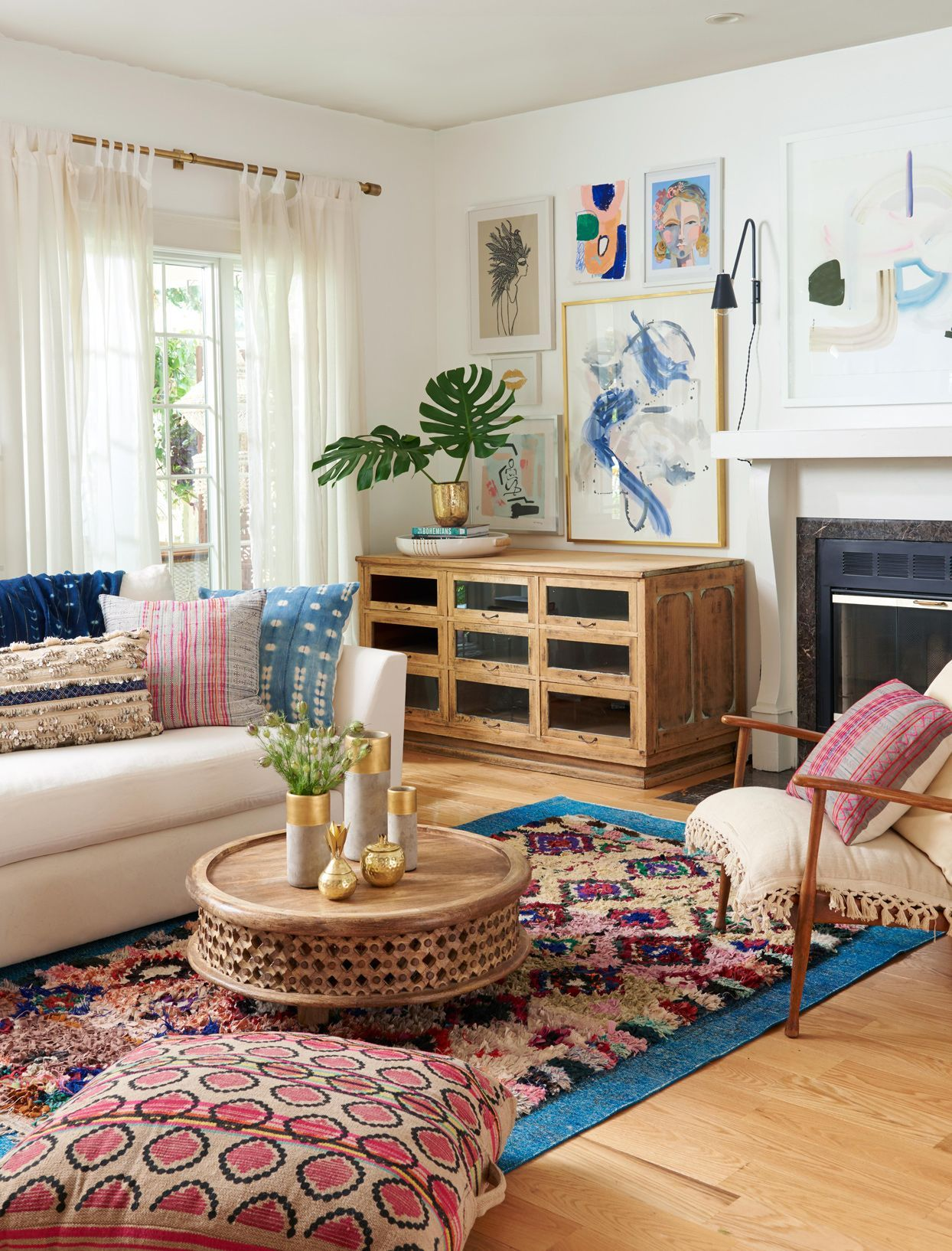 18 Ways To Embrace The Bold Eclectic Elements Of Boho Style In Your Home Bohemian Living Room Decor Living Room Colors Curtains Living Room
