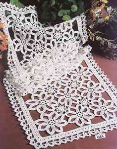 مفرش كروشيه مستطيل بالباترون Rectangle Doily Pattern شغل ابره Needle Crafts Crochet Doily Patterns Crochet Patterns Doily Patterns