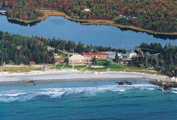 White Point Beach Resort Hotels In Hunts Point Nova Scotia Beach Lodging Beach Resorts Nova Scotia