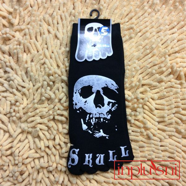 Find More Socks Information about Personality trend skull pattern men 's cotton five toe socks(2pair/lot),High Quality sock 3d,China sock sheer Suppliers, Cheap lot underwear from INNI Store on Aliexpress.com