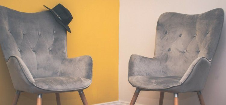 5 ways to clean suede without staining it how to clean