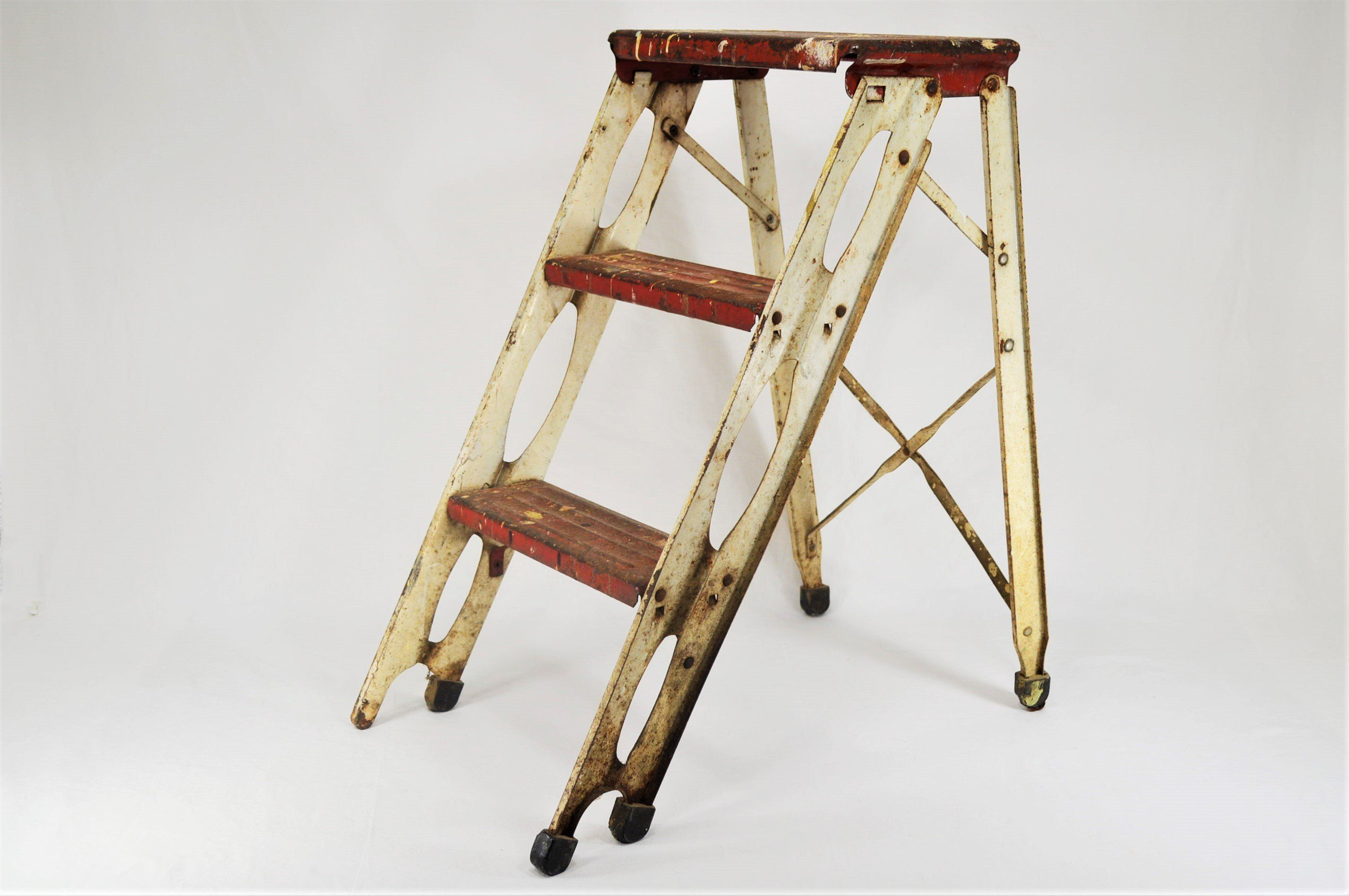 Admirable Vintage Red And White Steal Folding Ladder Or Step Stool 2 Uwap Interior Chair Design Uwaporg