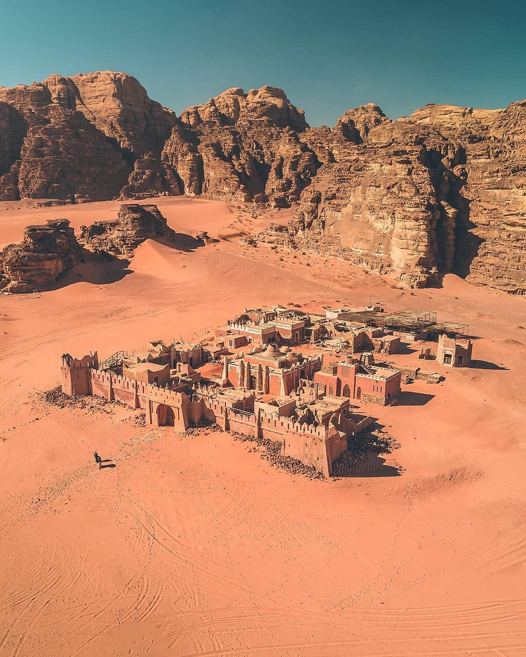 . Instead of Petra, there are many places to visit in Jordan. Wadi Rum is a desert with spectacular and scenic sandstone mountains in… #wadirum