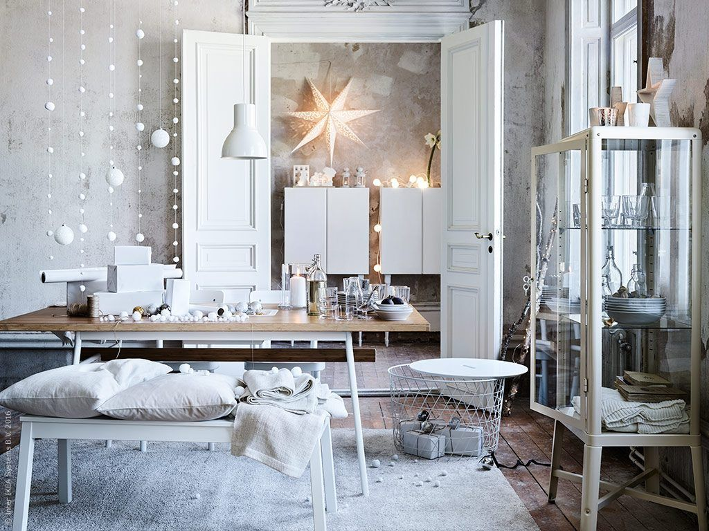 finest white christmas decor by ikea with guirlande lumineuse interieur ikea. Black Bedroom Furniture Sets. Home Design Ideas