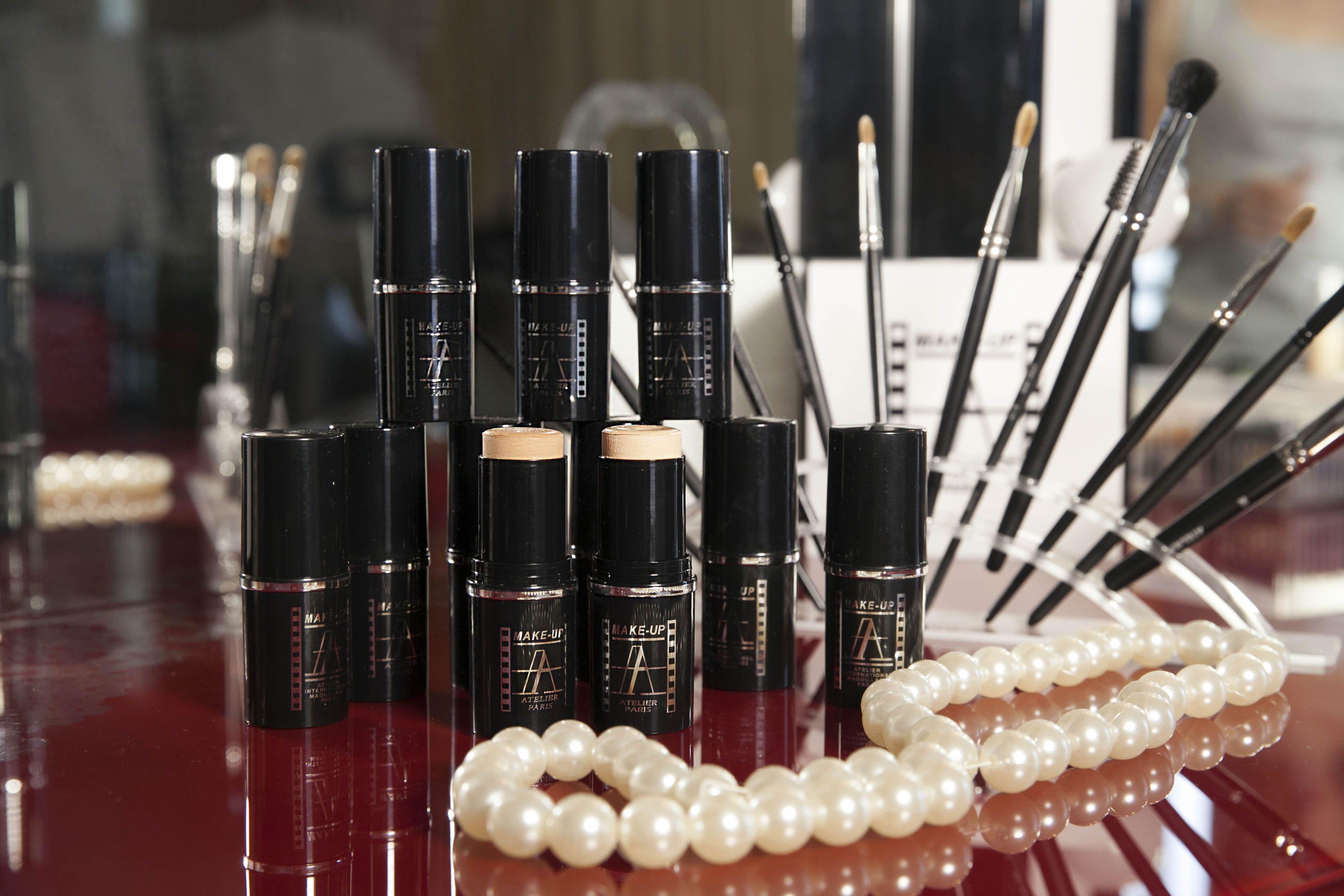 MakeUp Atelier Online shop! Wide range of Professional