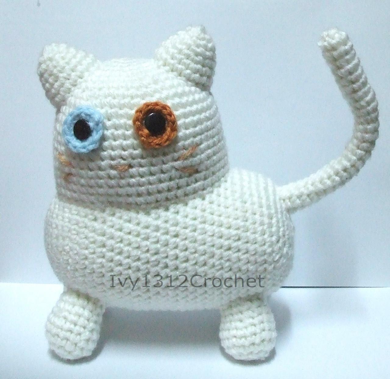 "Cottonball Kitty 8.46"" - Finished Handmade Amigurumi Crochet"