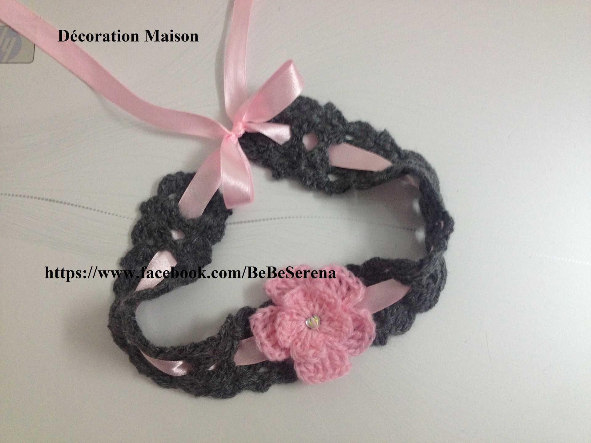 3 cm ruban satin nœud avec 3 Rose Cluster et perles x 20 Blanc