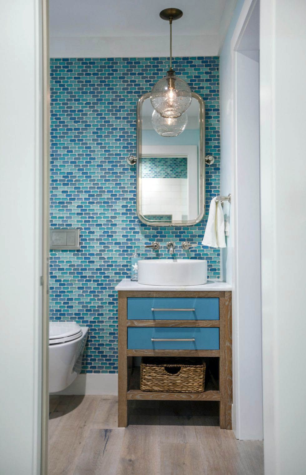 15 Astonishing Beach Themed Bathroom Designs Mostly In Blue