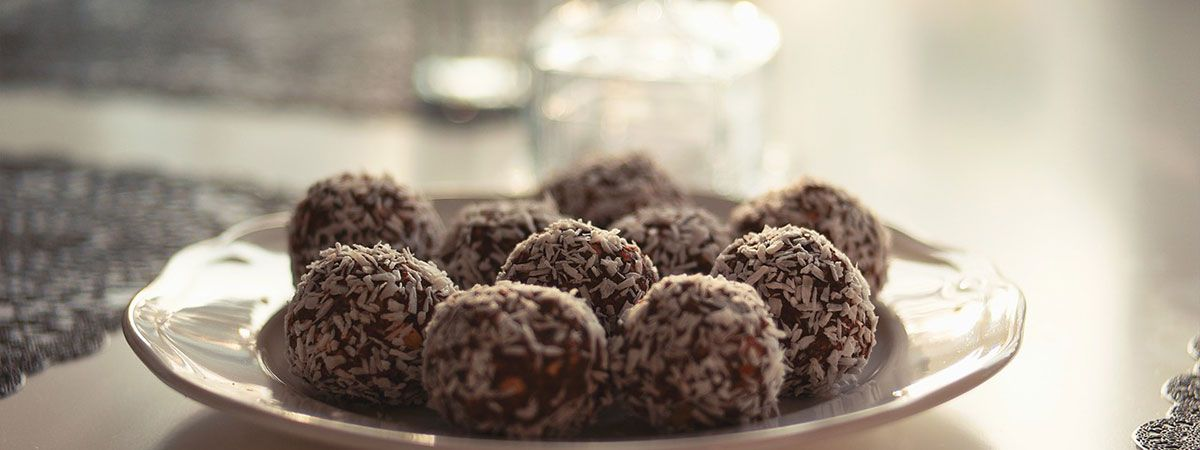 Pitta Pacifying Recipe Coconut Ginger Truffles Unsweetened Chocolate Raw Chocolate Bars Hot Chocolate Sauce