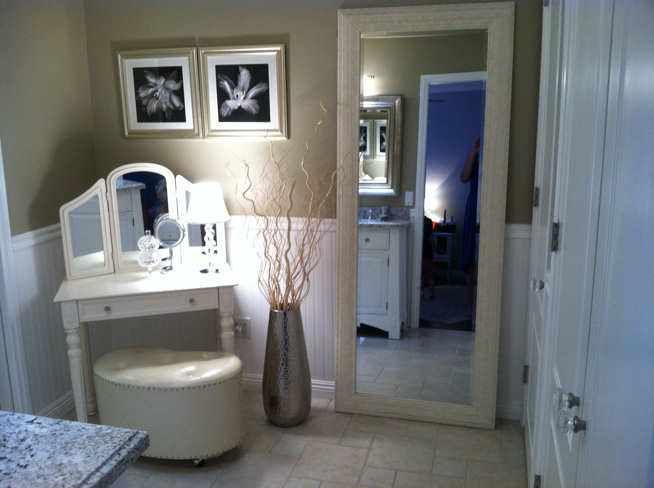 Master bathroom paint color pebble stone from behr for Master bathroom paint colors