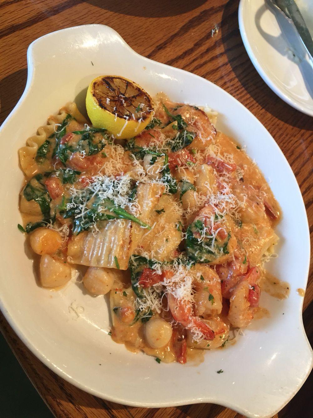 Seafood Lasagna Sauté. Olive Garden never fail me. Besides