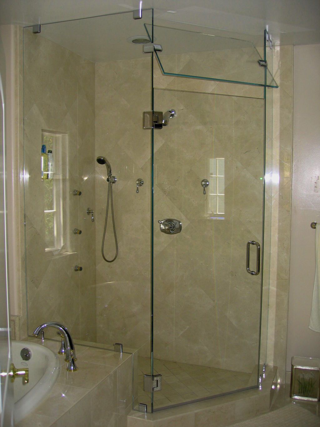 Glass steam shower doors ideas bathroom pinterest steam glass steam shower doors ideas eventelaan Images