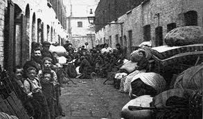 003 1902 picture of poverty in East London;Jack London wrote