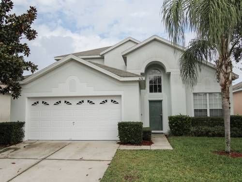Villa 8176 Fan Palm Windsor Palms Kissimmee (Florida) Located 13 km from Green Meadows Petting Farm in Kissimmee, this air-conditioned villa features an outdoor pool. The unit is 16 km from Plaza del Sol Kissimmee.  The unit is equipped with a kitchen.