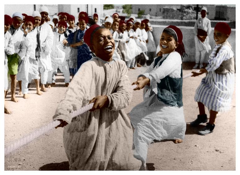 أطفال يلعبون شد الحبل 1934 Libya Libyan Kids Playing