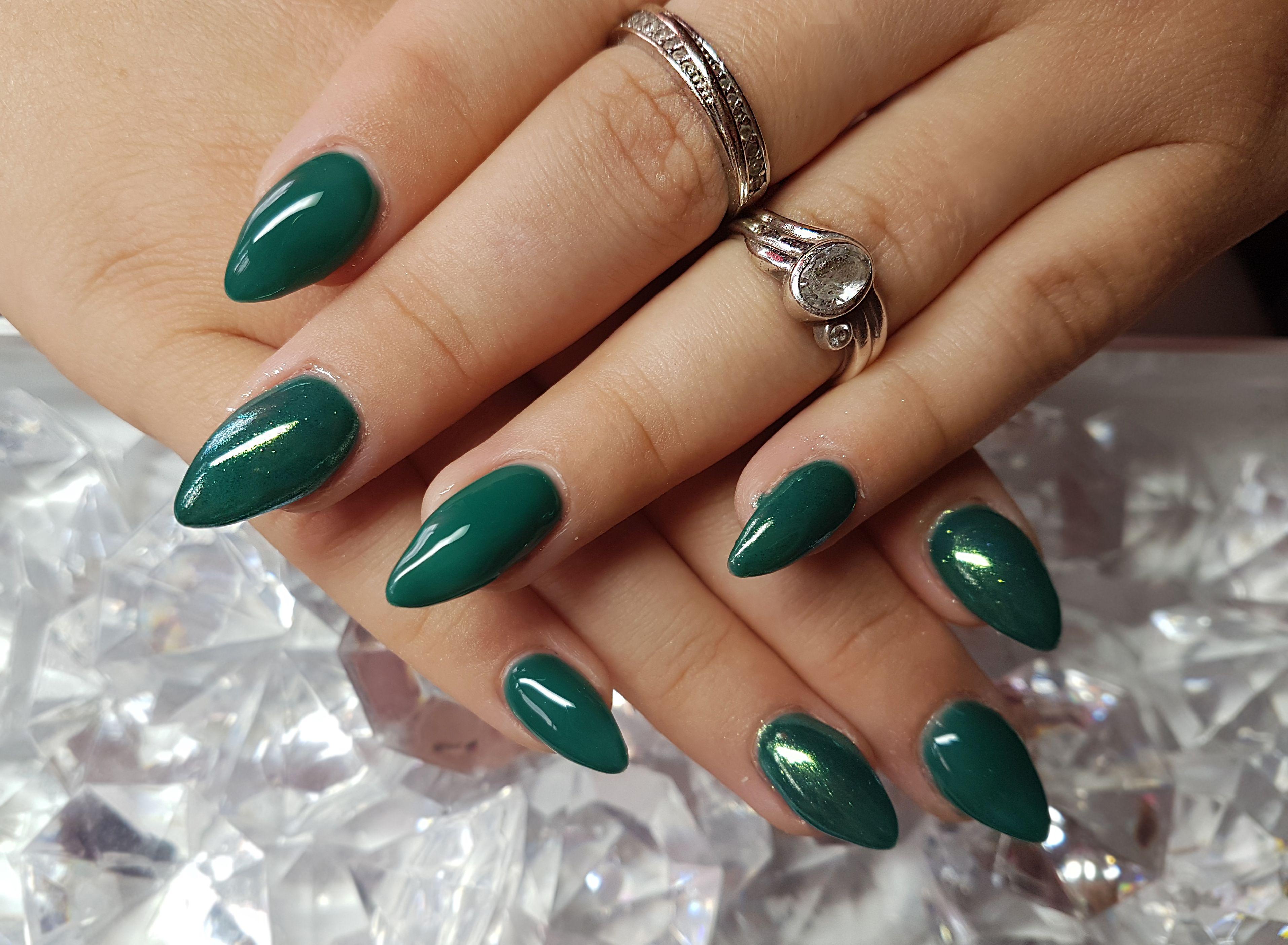 dark green nails | My nails | Pinterest | Dark green nails and Green ...