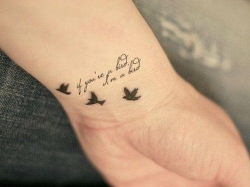 Pin De Angelica Perdomo En Tatoo Tatuajes De Aves En La Muneca Tatuajes De Amor Tatuaje Pajaro