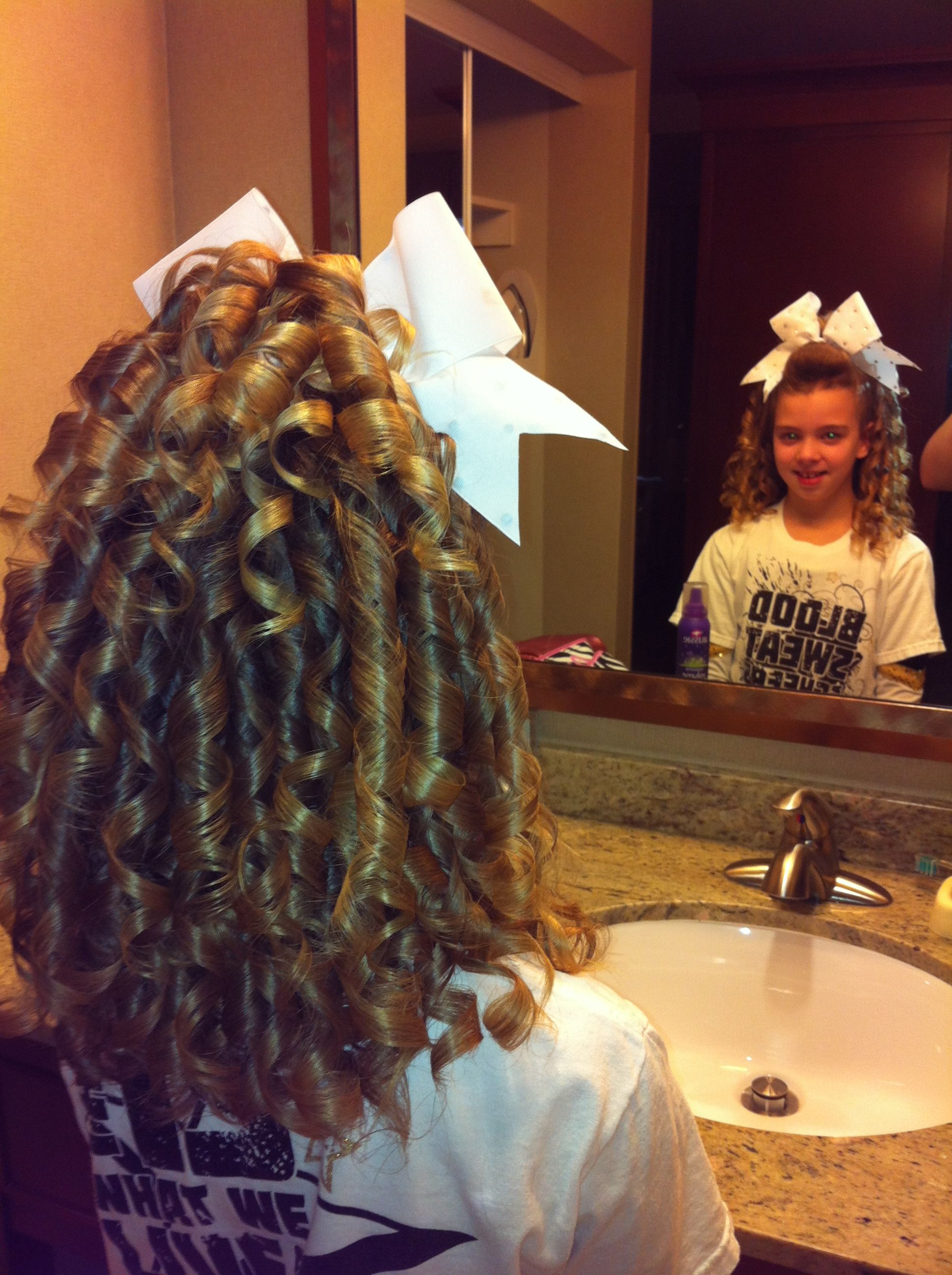 Cheer hair Cheer hair, Cheerleading hairstyles, Back to