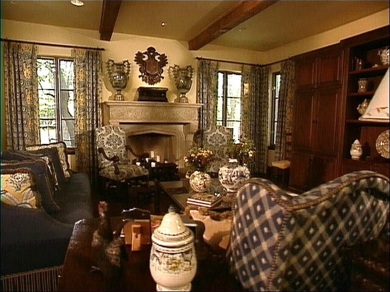 Not sure exactly what Old World style is? HGTV.com explains the style's rich