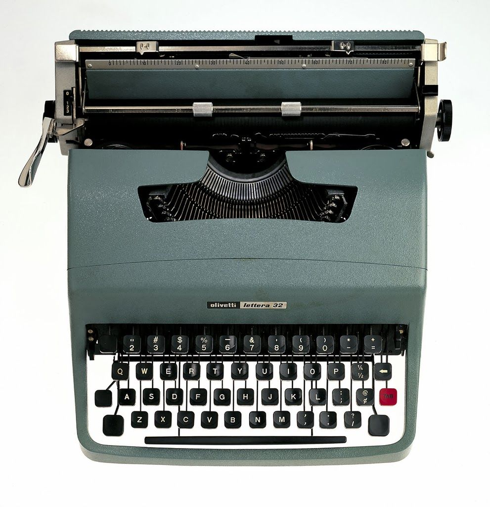 #Olivetti, typewriter Lettera 32 - Marcello #Nizzoli,1960 #italiandesign