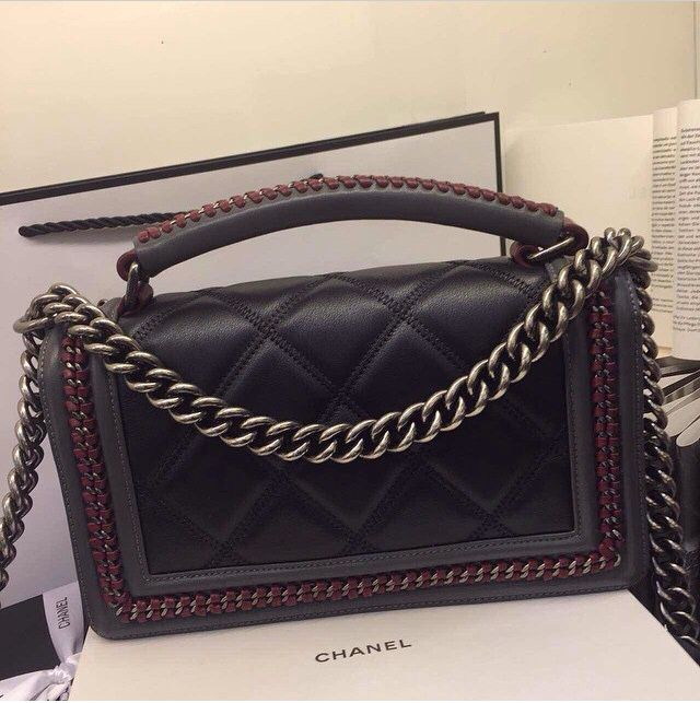 Original Quality Amazing Price Ship Worldwide Western Union Or Bank Transfer Payment Any Needs Welcome To Contact Us And S Shopping Chanel Chanel Boy Bag Fendi