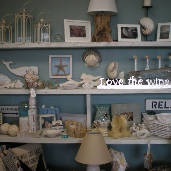 Home At The Beach Décor Design On Long Peninsula Wa Features All Manner Of Handmade Repurposed Upcycled