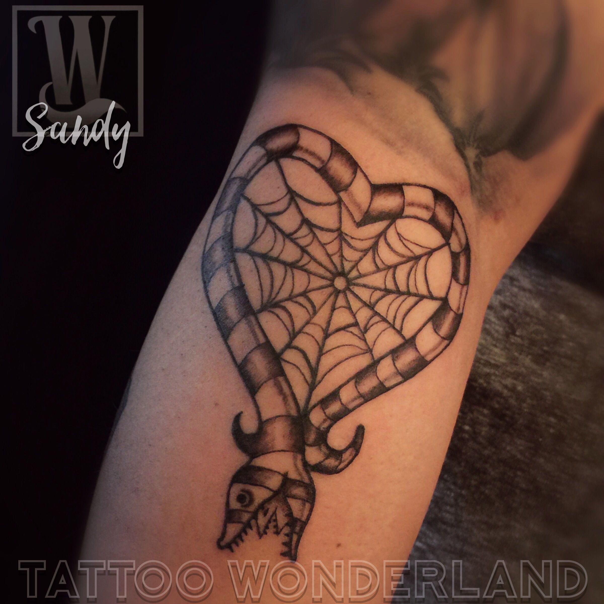 Beetlejuice Sandworm Web Heart Sandydex Tattoos Tattoowonderland Youbelongattattoowonderland Tattoowonderlan Tattoos Tattoo Clothing Beetlejuice Tattoo