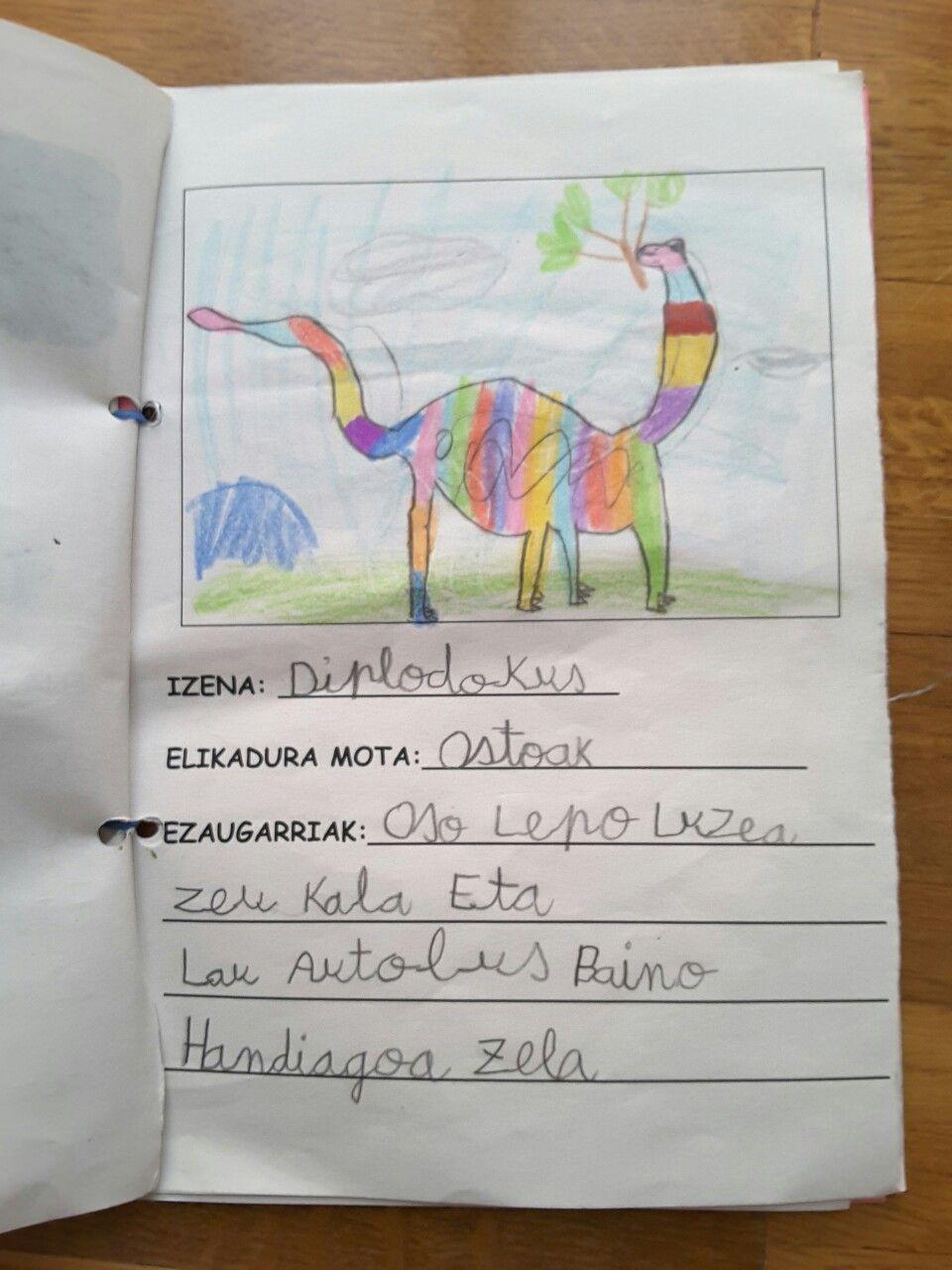 Dinosauroen liburua 5