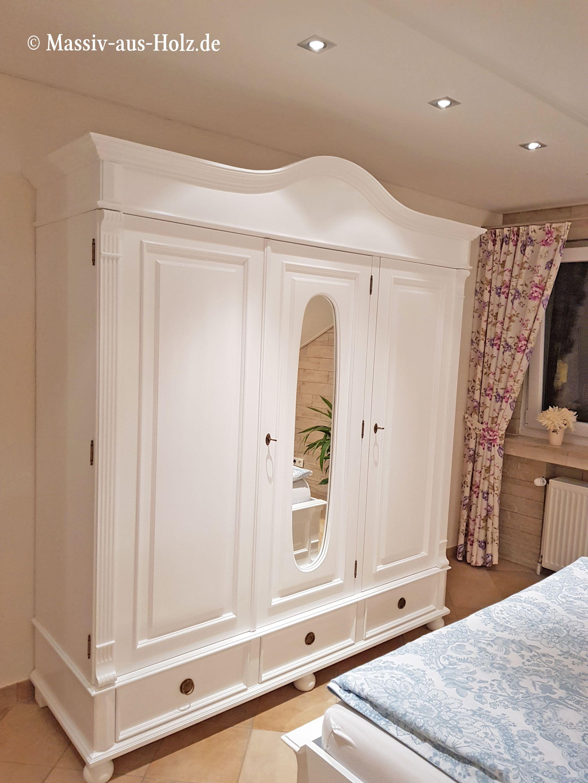 Großer Kleiderschrank im Landhausstil - hochwertig und romantisch ...