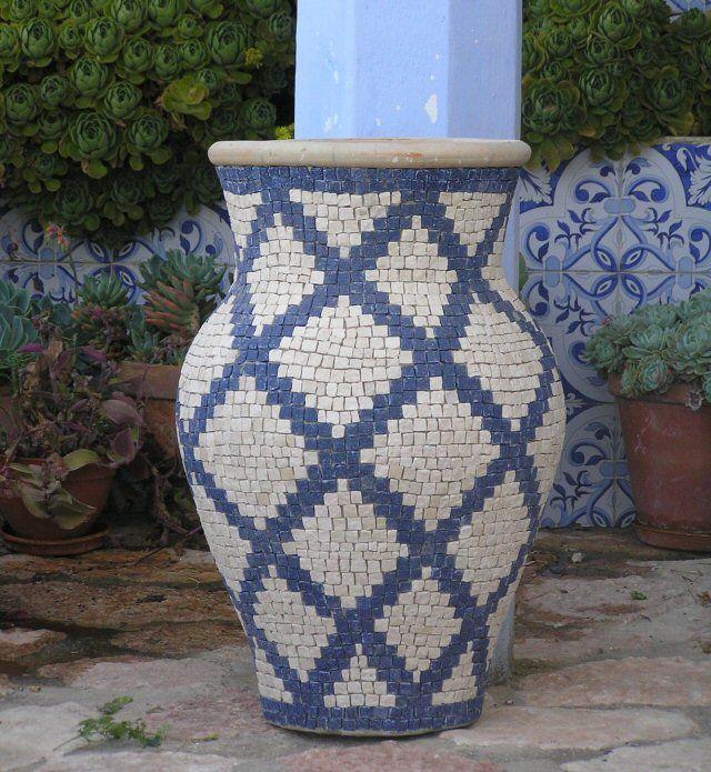 Roman mosaic gardens mosaics tiles azulejos pinterest mosaicos vasos y macetas - Azulejos roman ...
