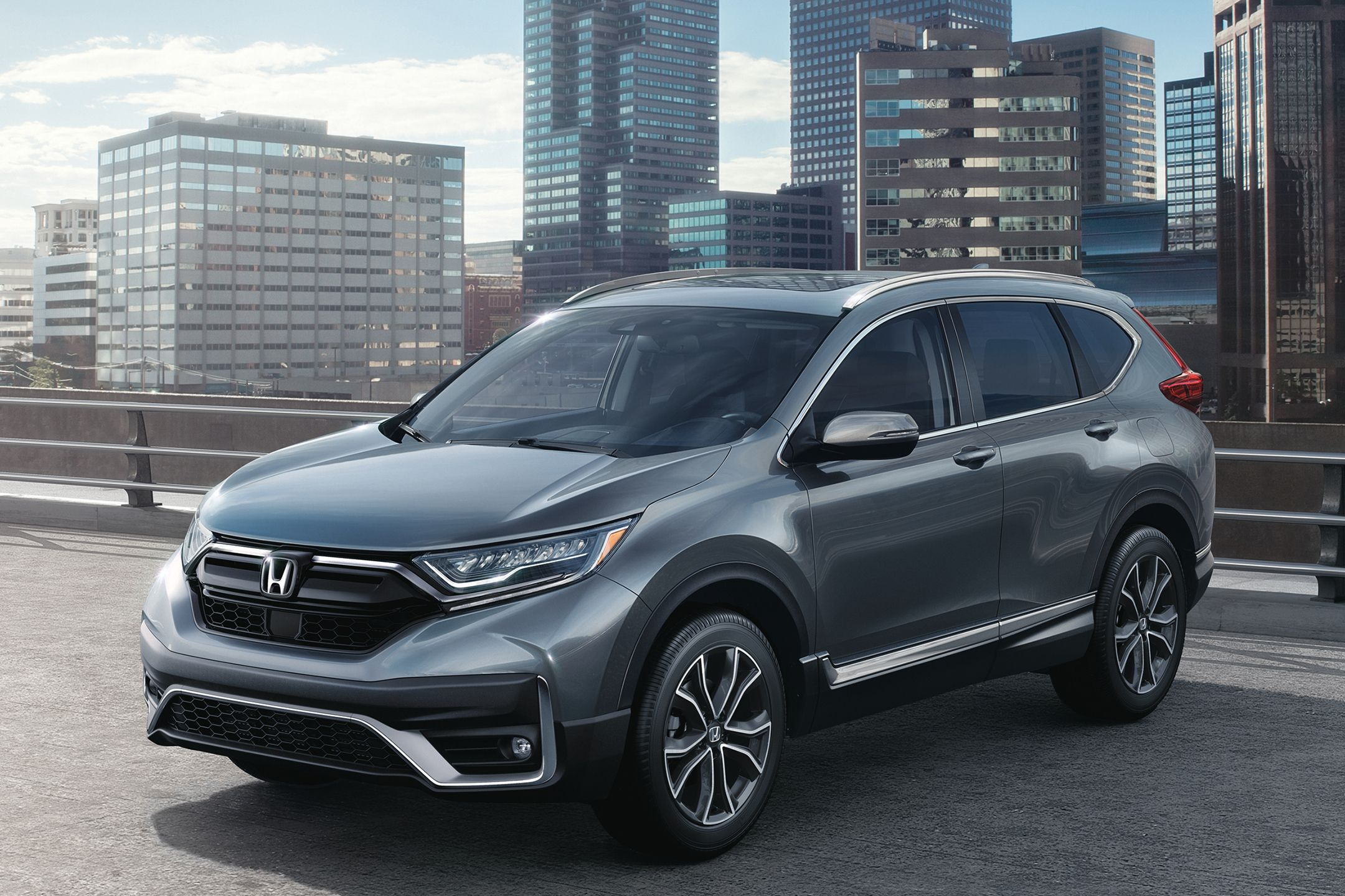 Honda Cr V Which Should You Buy 2019 Or 2020 News From Cars Com In 2020 Honda Crv Honda Crv Touring Honda Cr