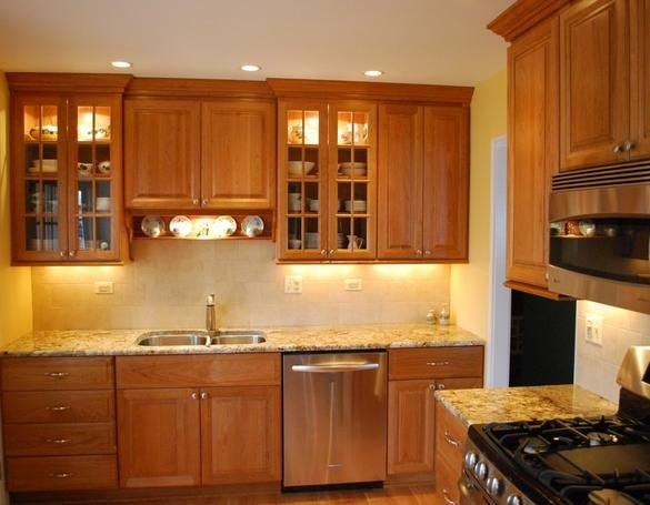 Light Cherry Cabinets What Color Countertops Well Coupled Cherry Cabinets And A Light Granite Countertop