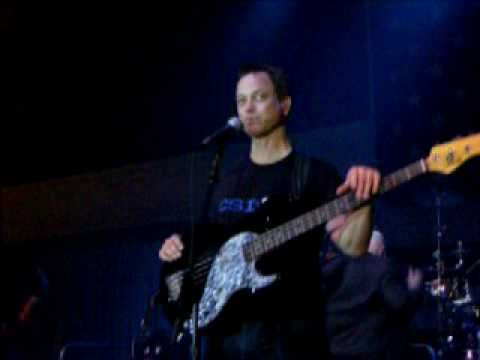 Gary Sinise & The Lieutenant Dan Band - Proud To Be An American - YouTube