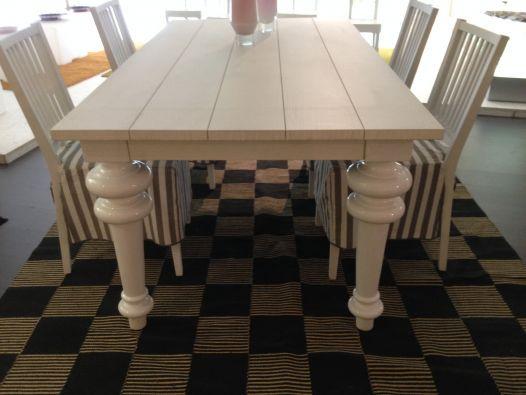 Tavolo Gervasoni ~ Tavolo rettangolare struttura in rovere bianco gambe in porcellana