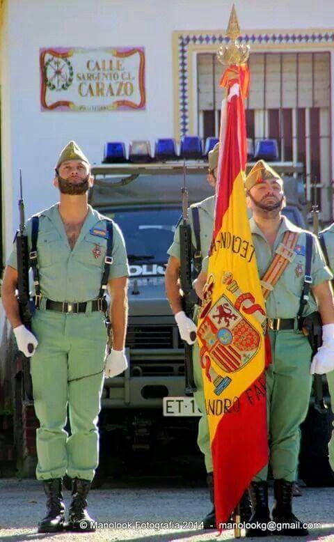 Bampre 21 05 2015 Hombres En Uniforme La Legion Española Uniformes Militares