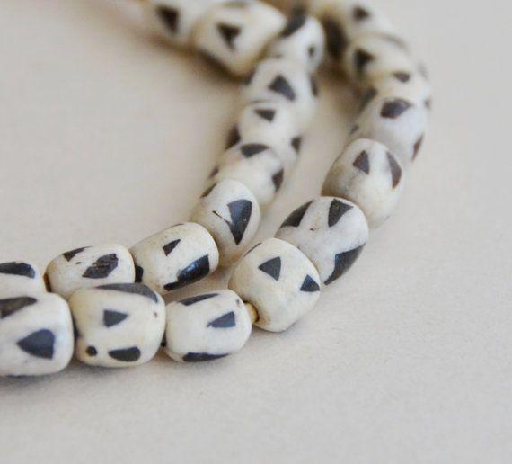 black and white triangle bone barrel beads (1 strand)