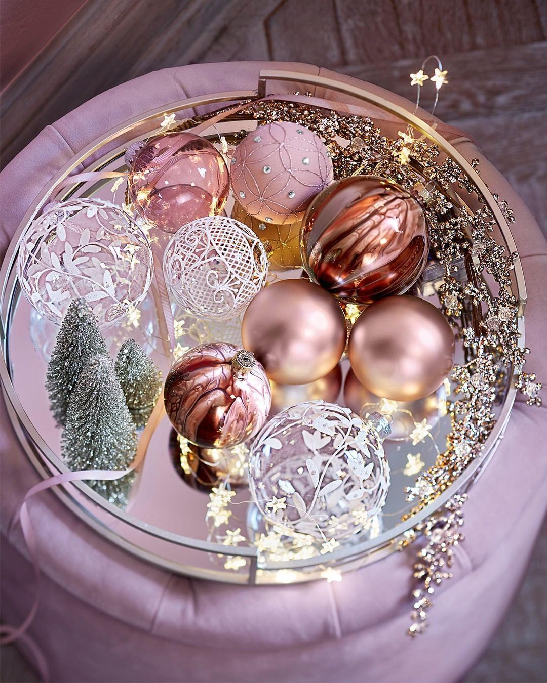 Pin Von Cherry89 Auf Life In 2020 Weihnachtsdeko Personalisierte Weihnachtskugeln Spiegeltablett