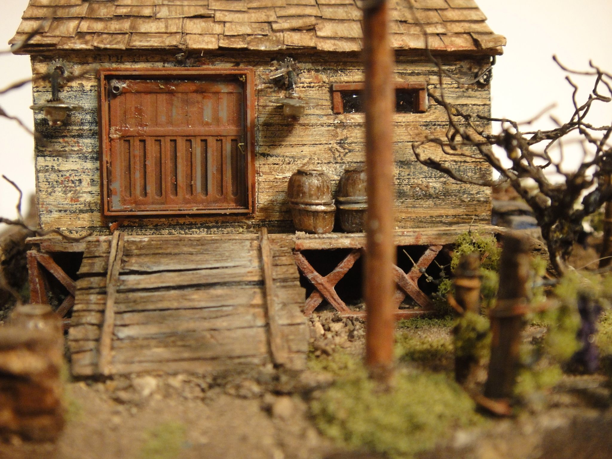 Z Scale Miniature Building Mere Inches In Height With Extreme
