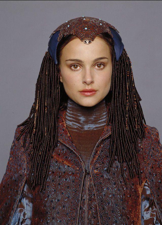 Natalie Portman in Star Wars: Episode III - Revenge of the ...
