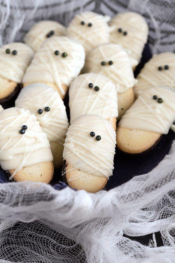 Easy Mummy Milanos - ein superschneller und lustiger Halloween-Leckerbissen - -